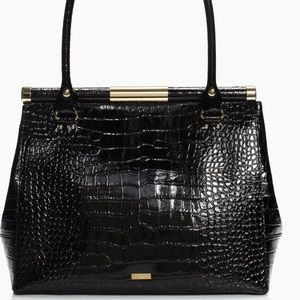 kate spade Bags - SOLD⛔️Authentic Kate Spade embossed leather bag